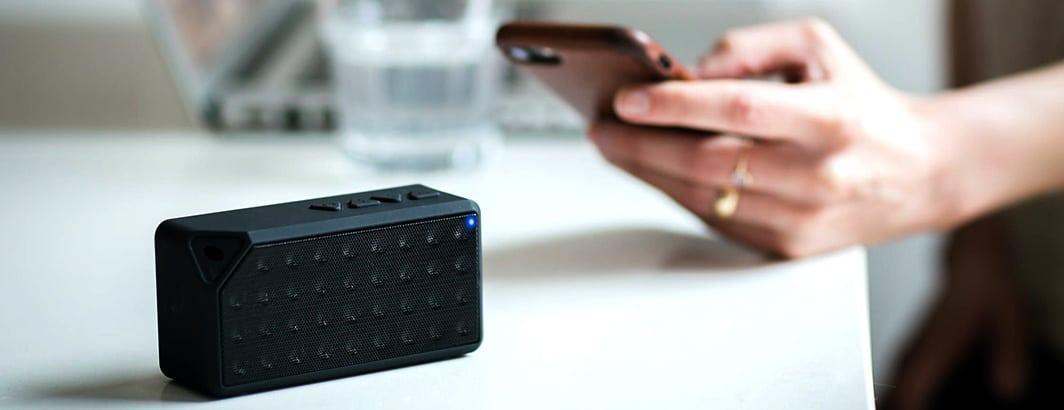 simpele goedkope speaker smartphone