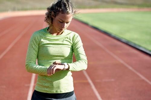 Een hardloophorloge is voorzien van verregaande functies om je loopprestaties te verbeteren.